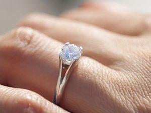 ¿Cómo entregar anillo de compromiso en una cena?