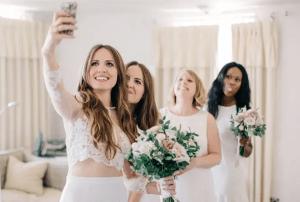¿Quieres lograr una buena selfie? Aquí te decimos cómo.