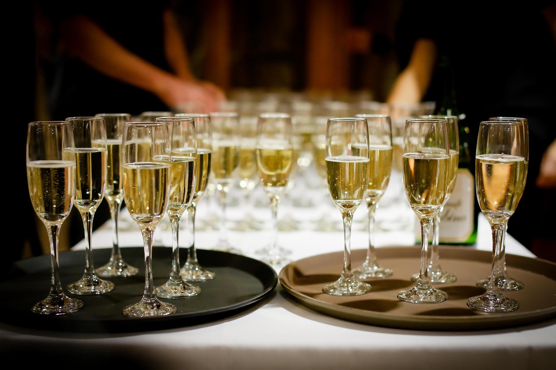 Lo que no debes hacer si te invitan a una boda