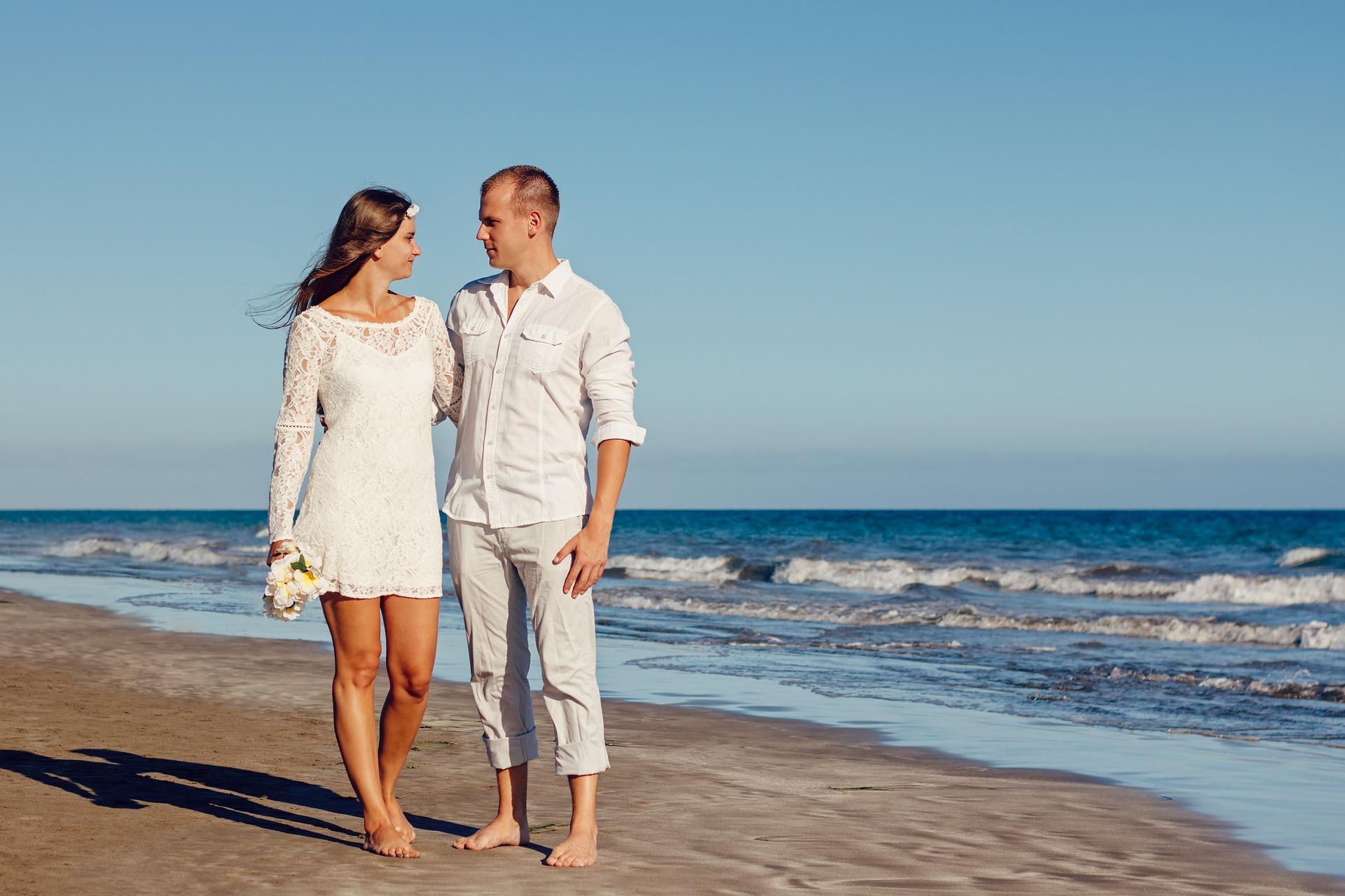 Boda en playa ¿Cómo elegir el vestido ideal?