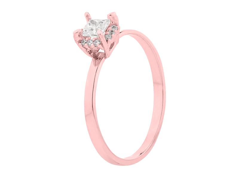 Anillo de compromiso de oro con Diamante central de: 0.25 ct Color- G Claridad- SI1 Piedras laterales: (12 x 0.005= 0.06 ct)
