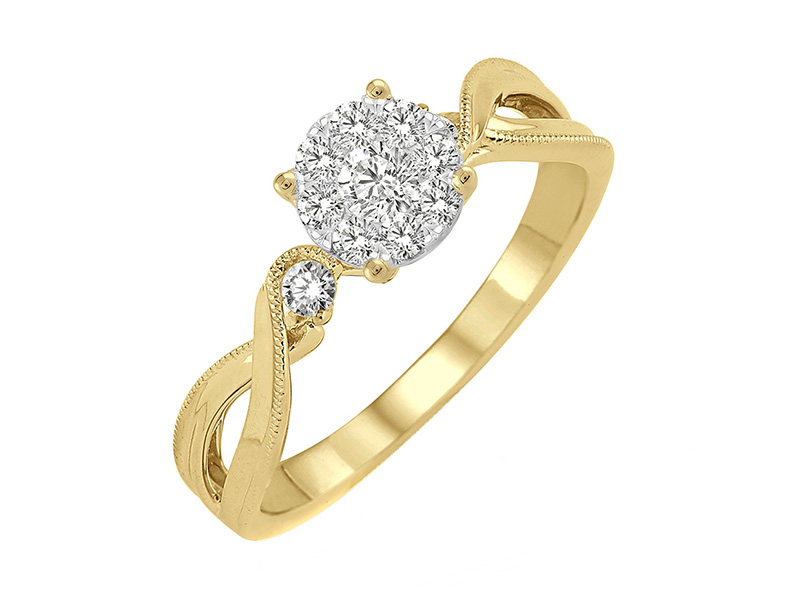 Anillo Cluster de oro con Diamantes lateral de: 0.3 ct Color- F Claridad- SI1