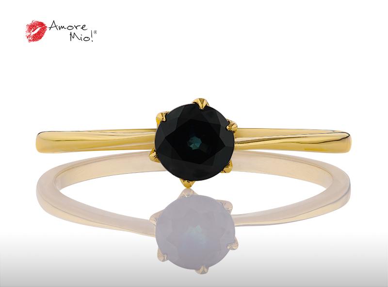 Anillo de compromiso de oro, con Zafire central de: 0.64 Puntos Color- N/A Claridad- N/A