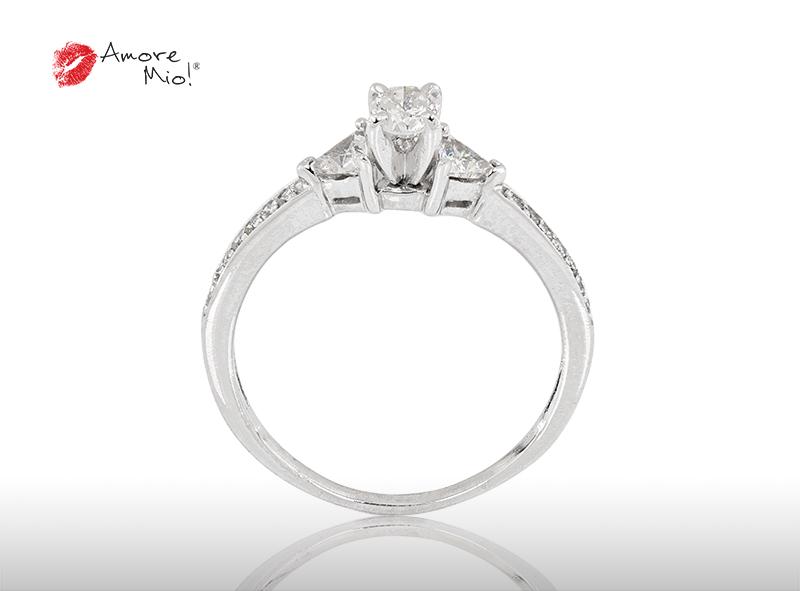 Anillo de compromiso de oro de 14k, con diamante central de: 0.20 Puntos Color- E Claridad- SI1