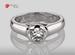 Anillo de compromiso de oro de 14k, con diamante central de:  0.39 Puntos Color- G Claridad- SI1