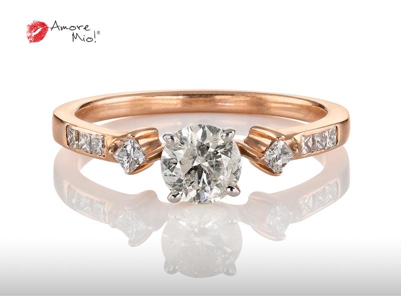 Anillo de compromiso de oro de 14k, con diamante central de: 0.51 Puntos Color- I Claridad- SI1 (44/56)