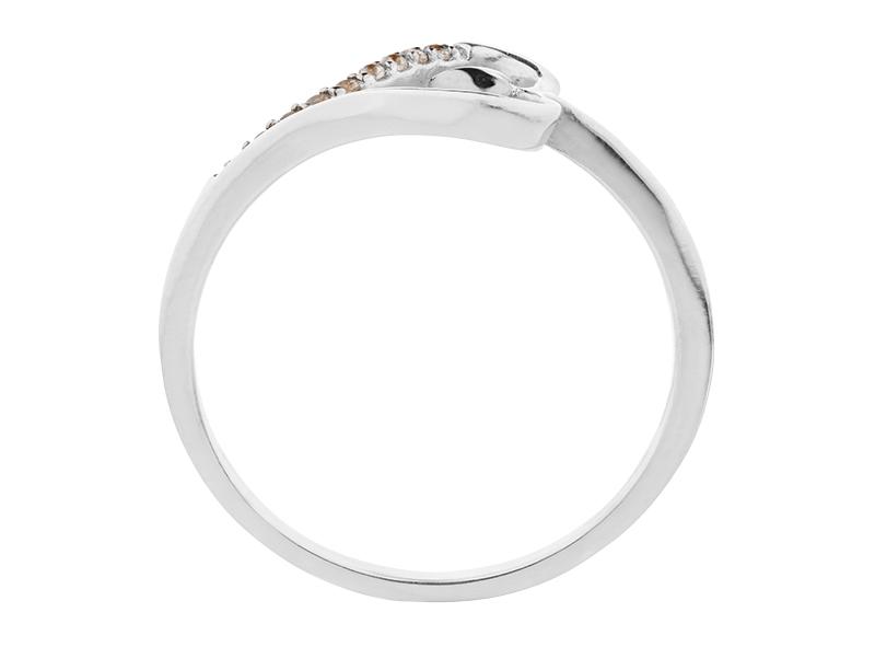 Anillo de promes de oro con Diamante lateral de: (9 x 0.005= 0.045 ct) ct Color- G Claridad- SI1