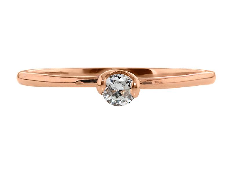Anillo de compromiso de oro, con diamante central de: 0.14 Puntos Color- D Claridad- VS1 (33/67)