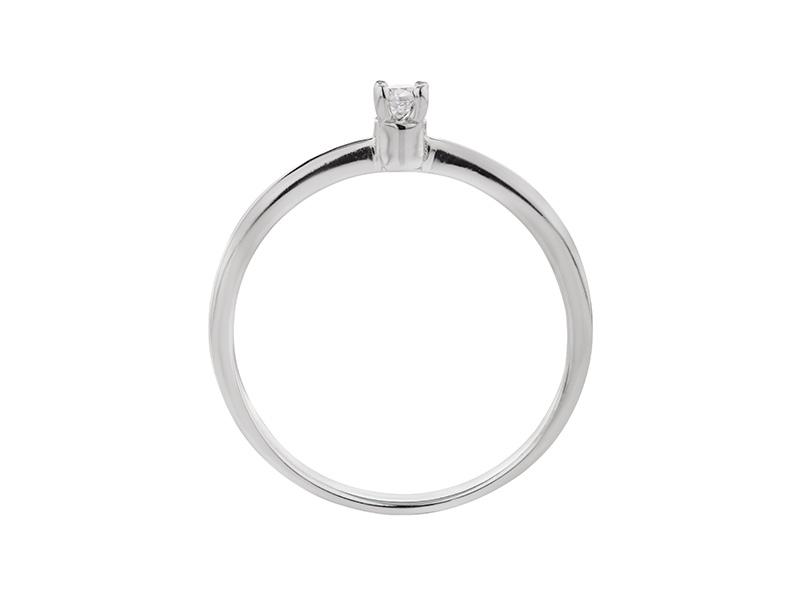 Anillo de compromiso de oro con Diamante central de: 0.05 ct Color- G Claridad- SI1 Piedras laterales: N/A