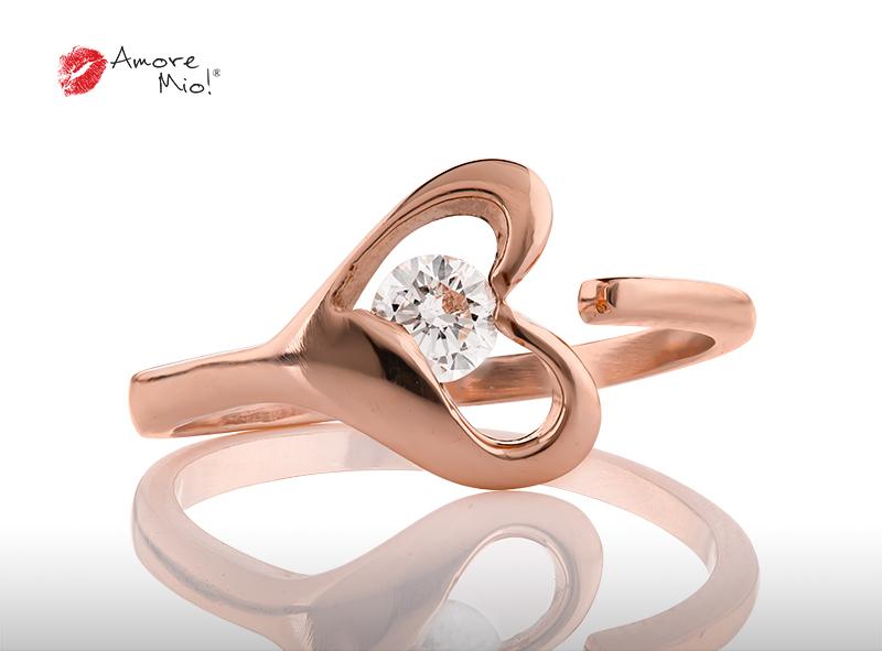 Anillo de compromiso de oro, con diamante central de: 0.25 Puntos Color- D Claridad- VS1 (31/69)