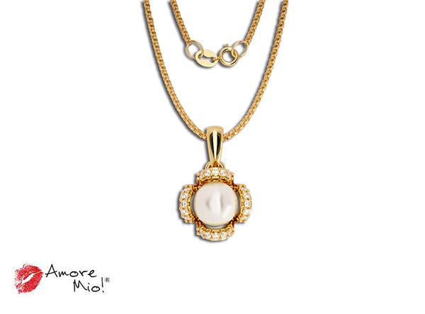 Dije de oro de 14kt con perla cultivada y con circonias