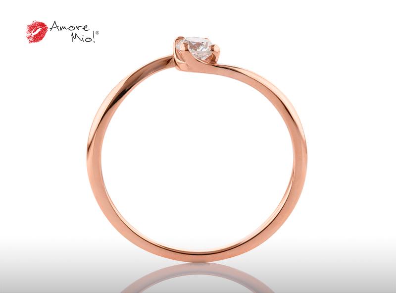 Anillo de compromiso de oro, con diamante central de: 0.23 Puntos Color- D Claridad- VS1  (27/73)