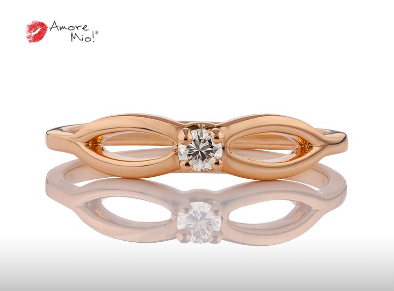 Anillo de compromiso de oro, con Diamond central de: 0.09 Puntos Color- J Claridad- VS1