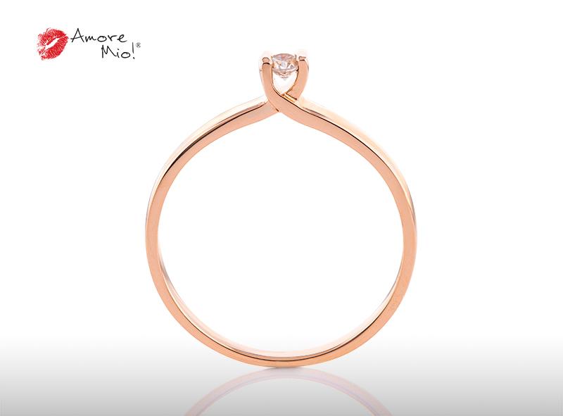 Anillo de compromiso de oro, con Diamond central de: 0.08 Puntos Color- E Claridad- VS1