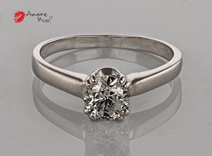 Anillo de compromiso de oro de 14k, con un diamante central de 0.54 puntos Color- D Claridad- SI3 (EGL)