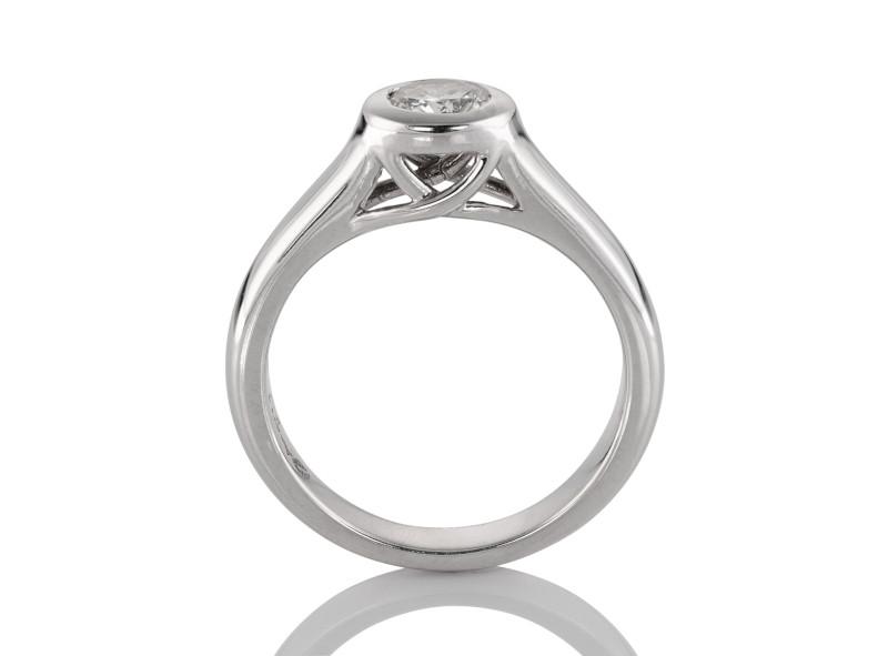 Anillo de compromiso de oro blanco de 14kt<br>Diamante  round de 0.36 quilates, Color-Black,Claridad-I1,Diamante Mejorado-None