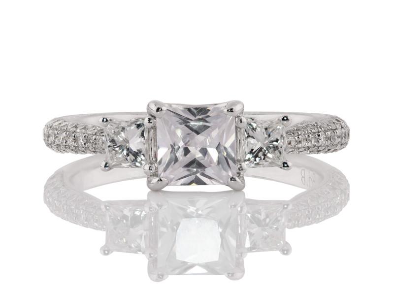 Anillo de compromiso de oro blanco de 18k<br>Diamante  round de 0.94 quilates, Color-H,Claridad-VS1,Diamante Mejorado-None