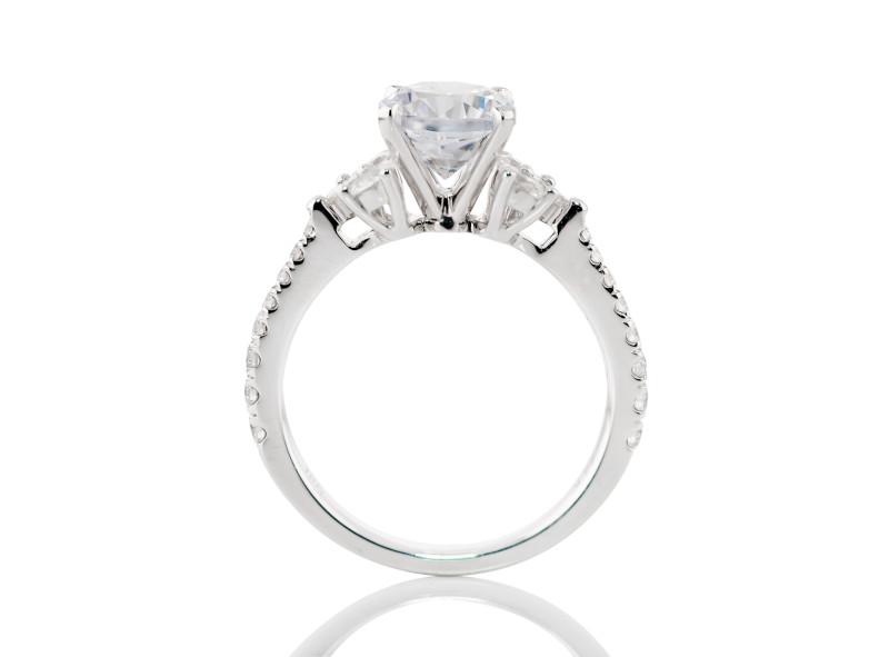 Anillo de compromiso de oro blanco de 18k<br>Diamante  round de 1.00 quilates, Color-Black,Claridad-N/A,Diamante Mejorado-None