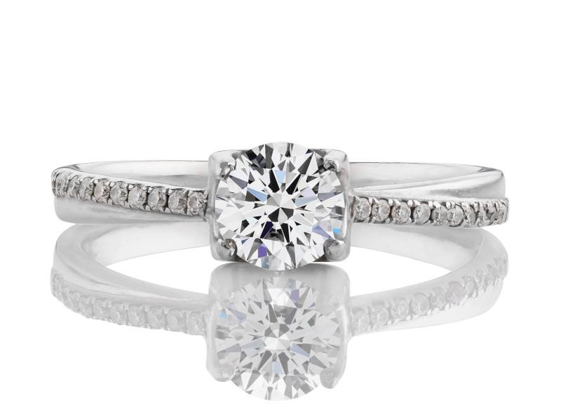 Anillo de compromiso de oro blanco de 18k<br>Diamante  round de 0.60 quilates, Color-I,Claridad-SI2,Diamante Mejorado-Clarity Enhanced