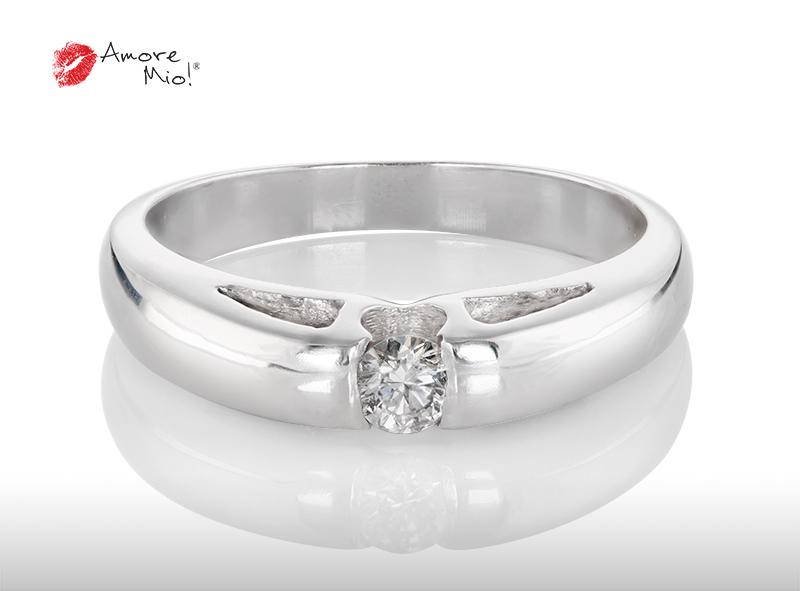 Anillo de compromiso de oro de 14k, con diamante central de:  0.14 Puntos Color-  E Claridad-  SI1
