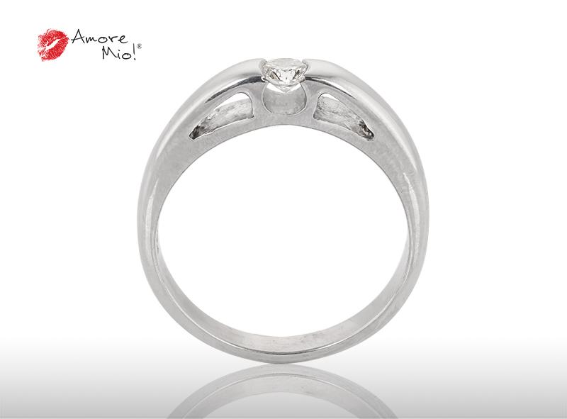 Anillo de compromiso de oro de 14k, con diamante central de:  0.17 Puntos Color-  D Claridad-  SI2