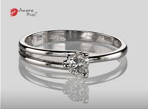Anillo de compromiso de oro, con diamante central de: 0.24 Puntos Color- E Claridad- VS2 (33/67)